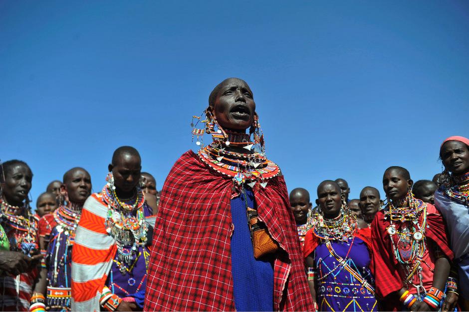 """Bei den Massai ist es nicht nur das """"Sopa"""", mit dem andere versuchen, Geld zu machen, viel mehr wird die Lebensweise des ostafrikanischen Volkes verkau"""