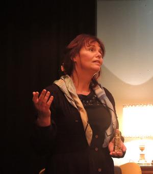 Roswitha Matt überzeugt als geheimnisvolle Witwe Charlotte.