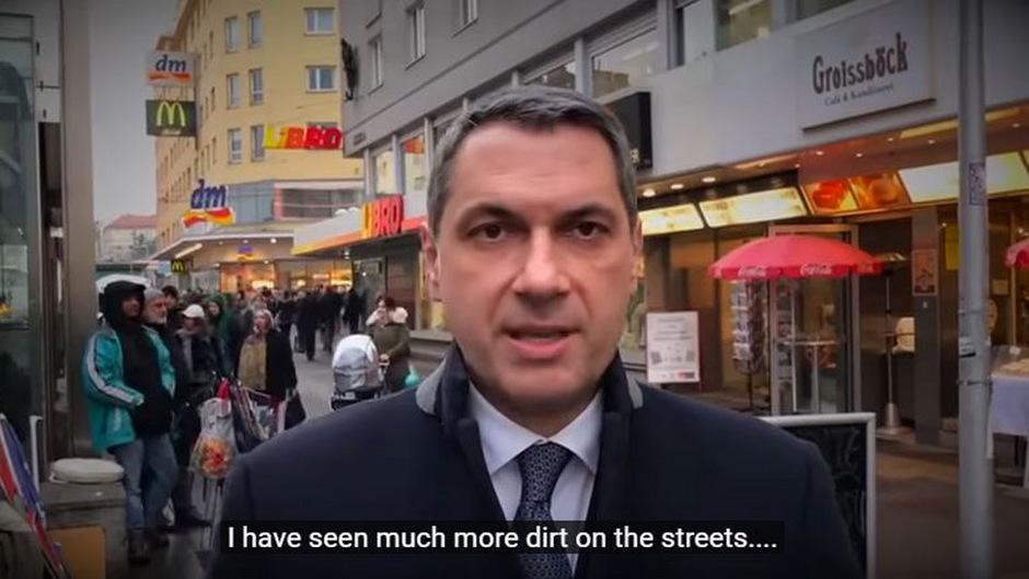 Der ungarische Minister beklagte sich in dem Video nicht nur über die vielen Migranten, sondern auch über Dreck auf den Straßen.