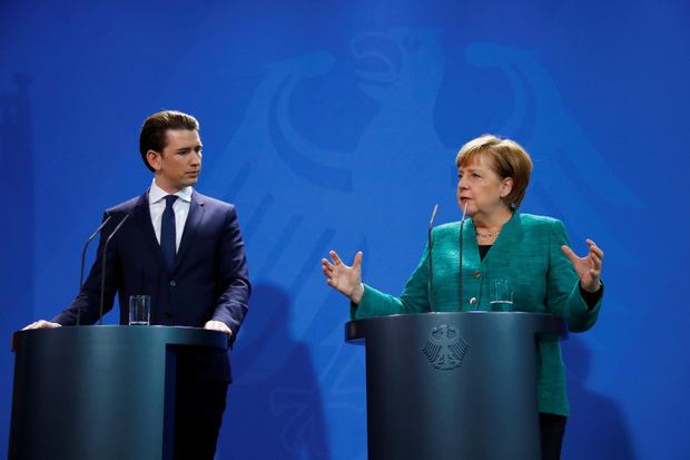 Die deutsche Kanzlerin Angela Merkel mit dem österreichischen Bundeskanzler Sebastian Kurz.