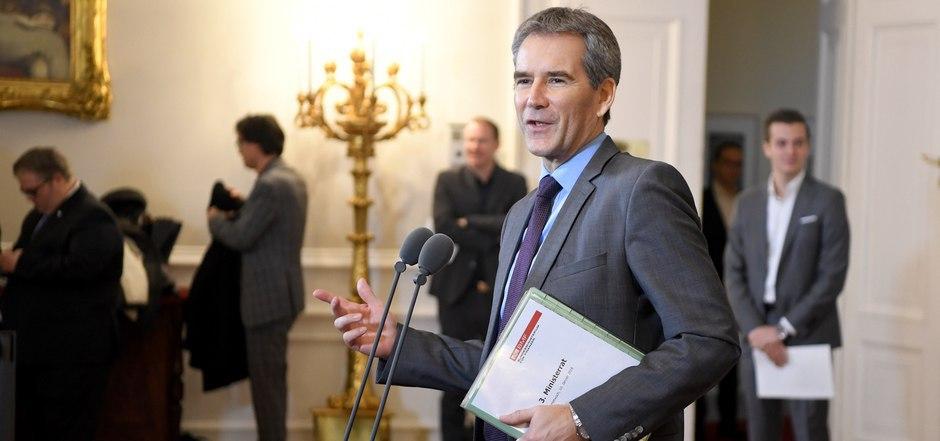 Finanzminister Hartwig Löger (ÖVP) hält kommende Woche seine erste Budgetrede. Vorab wurden die wichtigsten Eckpunkte des Budgets bekannt.