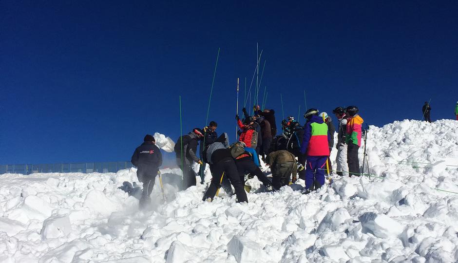 Auch wenn es heuer sehr viele Bergungen gab, bei denen die Wintersportler lebend davonkamen, gab es sechs Tote zu beklagen. (Symbolfoto)