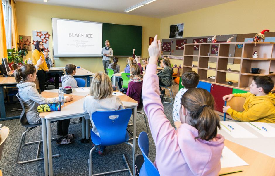 Schon beim ersten Workshop in der Schule wurde die Begeisterung der Jugendlichen für die Forschungsarbeit deutlich.