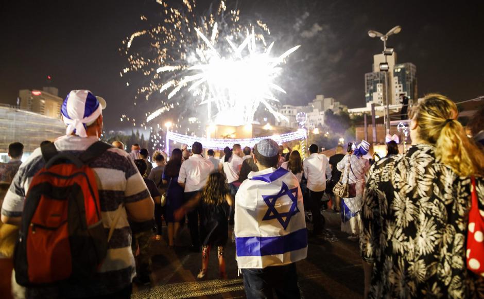 Feuerwerk über Jerusalem: Die Iraelis feiern 70 Jahre Unabhängigkeit des jüdischen Staates.