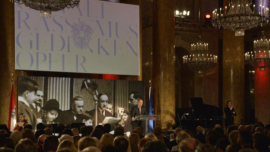 Nationalratspräsident Wolfgang Sobotka (ÖVP) bei seiner Rede im Zeremoniensaal der Hofburg.