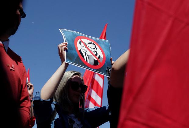 Am Rande der Veranstaltung gab es auch Proteste gegen die FPÖ.