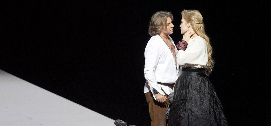 Große Stimmen auf szenischer Sparflamme: Roberto Alagna und Elina Garanca als Samson und Dalia in der Wiener Staatsoper.