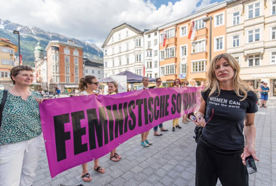 Menschenkette in Innsbruck.