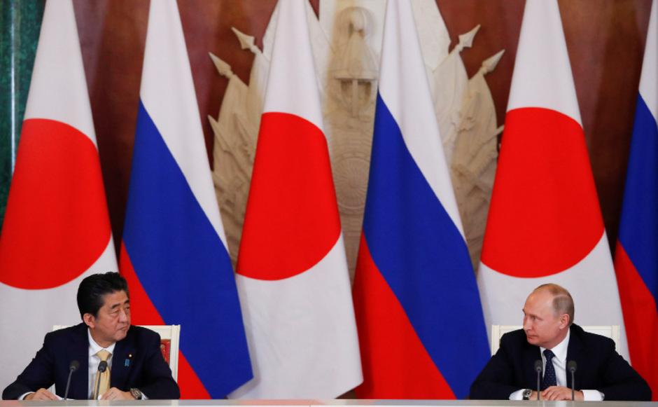 Shinzo Abe und Wladimir Putin.