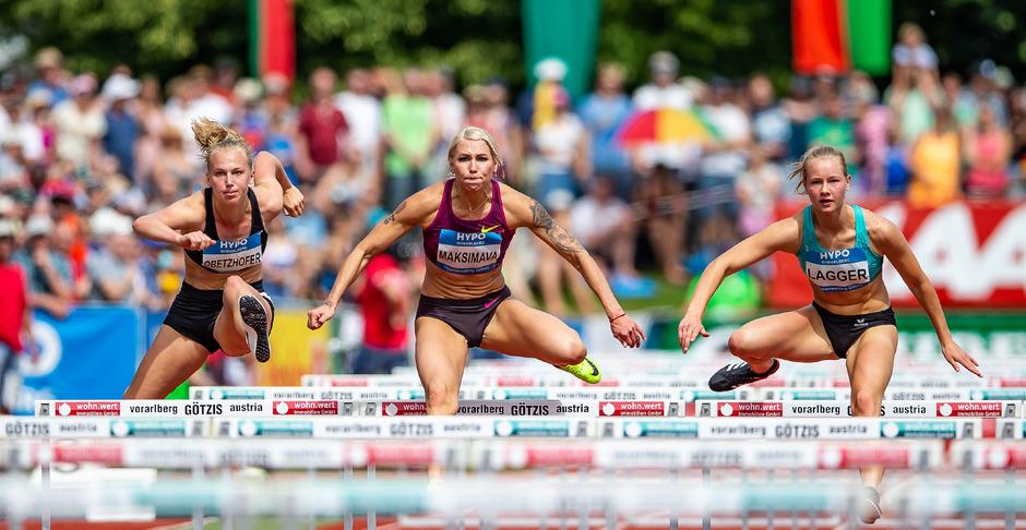 Die 100 m Hürden bewältigte Obetzhofer (l.) in 14,7 Sekunden.