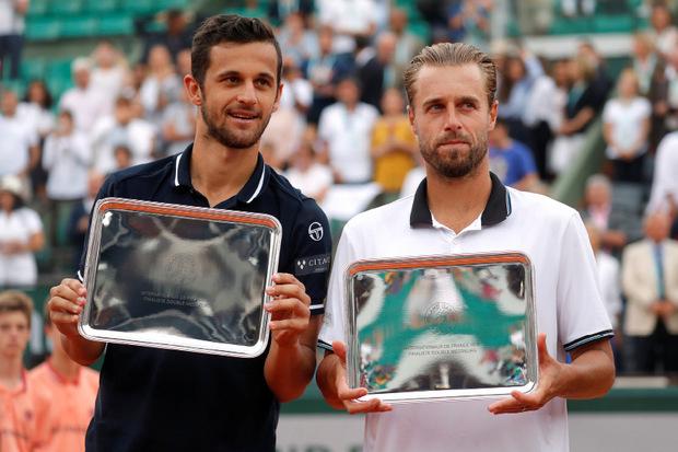 Pavic und Maurach teilen sich das Preisgeld von 280.000 Euro.