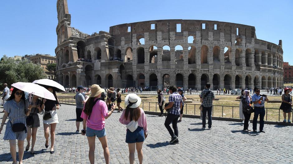 Das Kolosseum in Rom gitl als eines der bedeutendsten Momumente der Welt. 6,4 Millionen Touristen besuchten die Stätte im letzten Jahr.