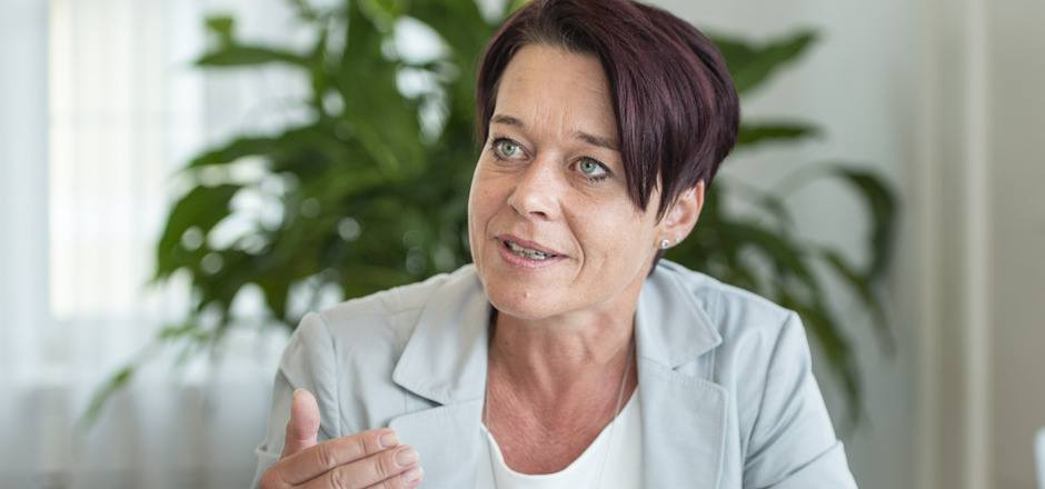 Sonja Ledl-Rossmann ist stolz, die erste Frau auf dem Präsidentensessel des Tiroler Landtages zu sein.
