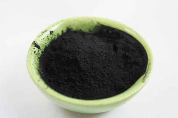 Bei der Hydrothermalen Carbonisierung wird Biomasse bei etwa 200 Grad Celsius und einem Druck von zehn bis 40 bar zu Kohlepulver.