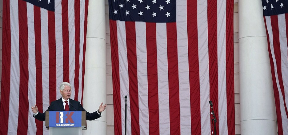 Bill Clinton war von 1993 bis 2001 der 42. Präsident der Vereinigten Staaten von Amerika.