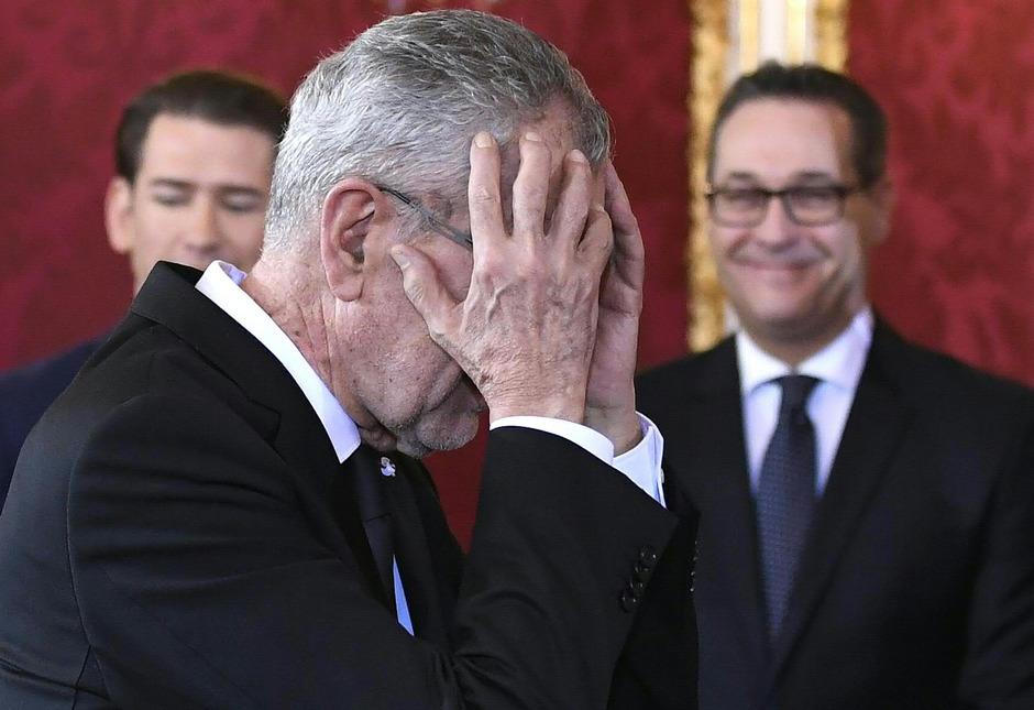 Angelobung: Gesamtsieger Objektiv 2018 und Siegerbild in der Kategorie Innen- und Außenpolitik von Robert Jäger.