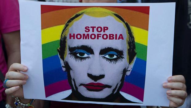 """Mit Bildern wie diesen protestierten 2013 Menschen überall auf der Welt gegen das Verbot von """"Homosexuellen-Propaganda""""."""