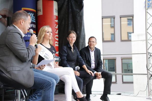 TT-Chefredakteur Alois Vahrner im Gespräch mit Theresa Ruetz, Alrun Lunger von der Knappenwelt und Michael Pfeifer.