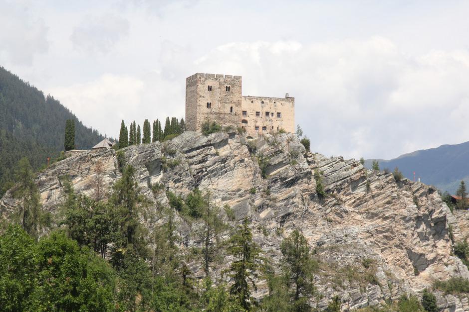 Klettersteig Quarzit Wand Burg Laudeck : Steiniges verfahren für klettersteige tiroler tageszeitung