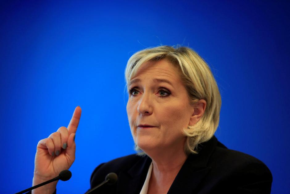 """Marine Le Pens Partei """"Rassemblement National"""" ist in argen Finanznöten."""