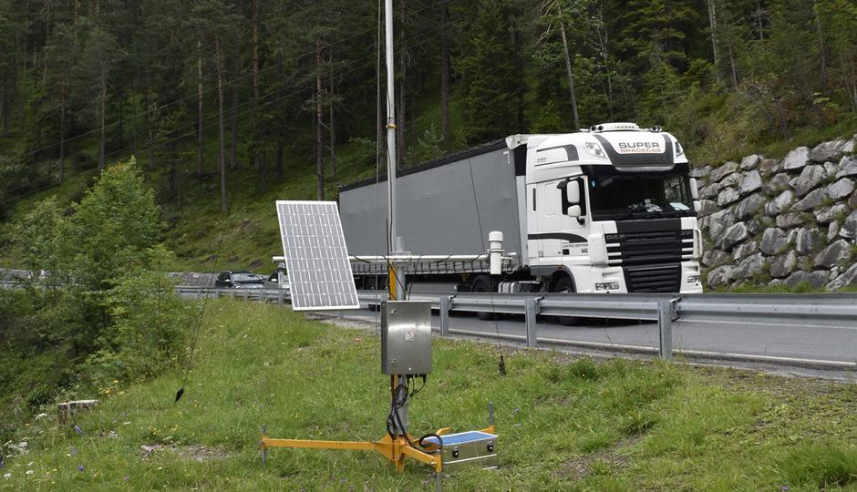 Nach den Erkundungsbohrungen geht es am Fernpass mit der Messung der Windsituation im geplanten Portalbereich weiter.