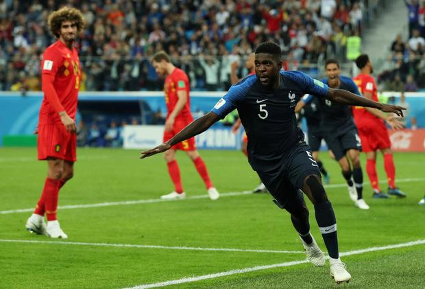 Die Belgier fassunglos, Umtiti feiert nach seinem Siegestreffer.
