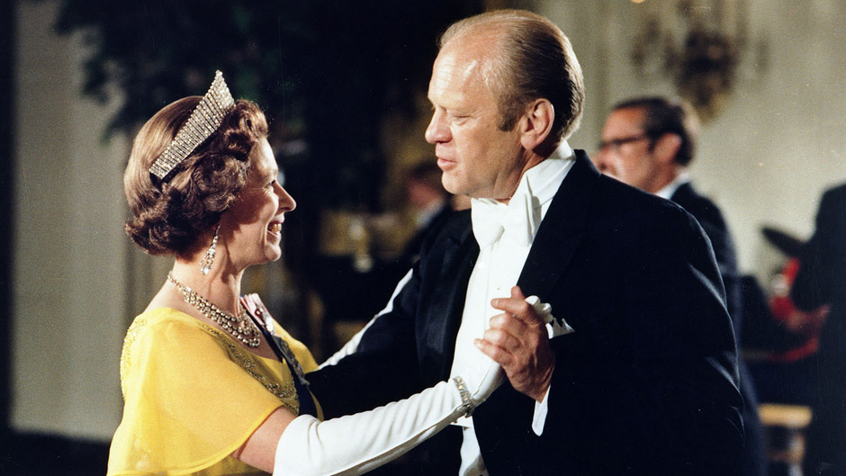 Von den Tanzkünsten Gerald Fords war die Queen sichtlich angetan.
