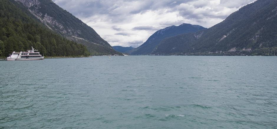Der Achensee ist der größte Tiroler See und bietet viele Möglichkeiten.