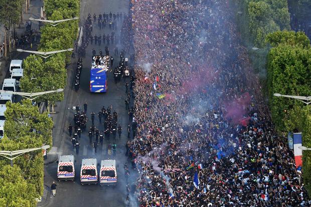 Hunderttausende feierten am Champs-Élysées ihre WM-Helden.