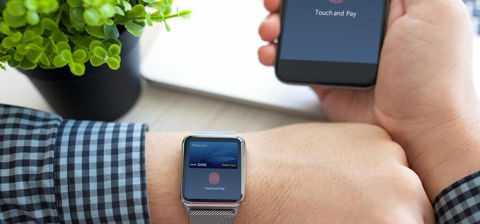 Online-Zahlungen mit dem Smartphone per Fingerabdruck sollen nach Ansicht des Kreditkartenunternehmens Mastercard zum Standard werden.