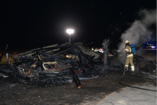 Das Gebäude brannte bis auf die Grundmauern nieder.