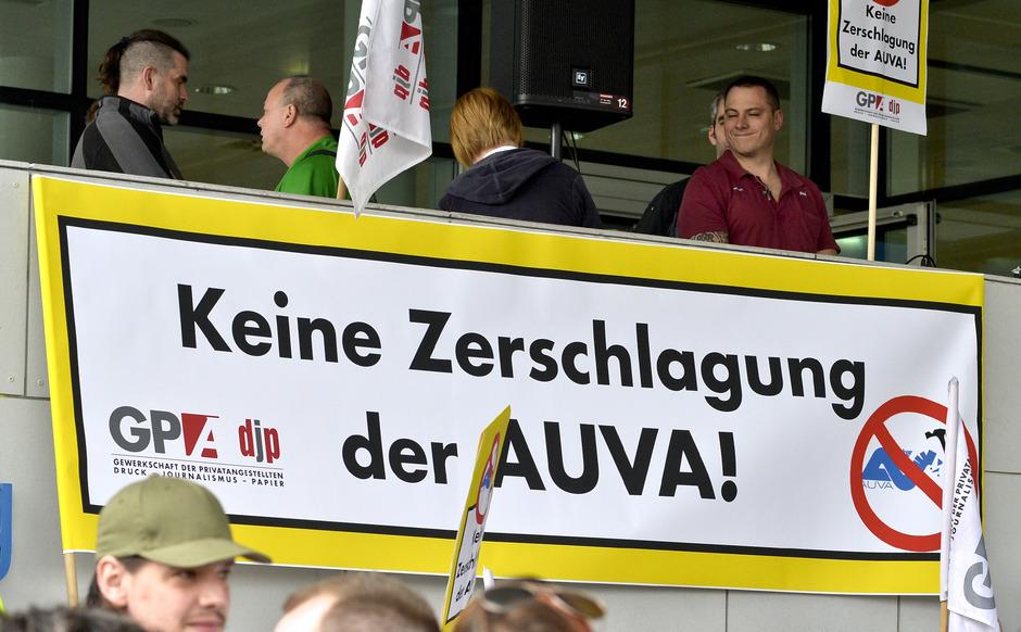 Kompromiss Zeichnet Sich Ab Die Auva Bleibt Wohl Erhalten Tiroler