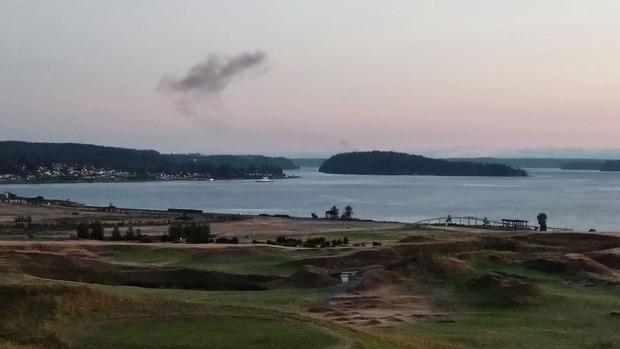 Anderthalb Stunden nach dem Kapern der Maschine stürzte sie auf einer spärlich besiedelten Insel ab. Der Absturz löste einen Waldbrand aus, verletzt wurde nach Behördenangaben niemand auf der Insel.