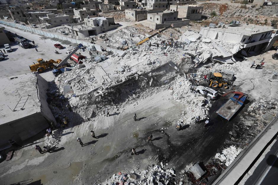 Zerstörte Gebäude nach der Explosion in Sarmada.
