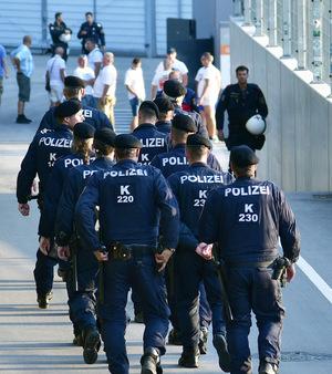 Beim Spiel herrschte ein großes Polizeiaufgebot.