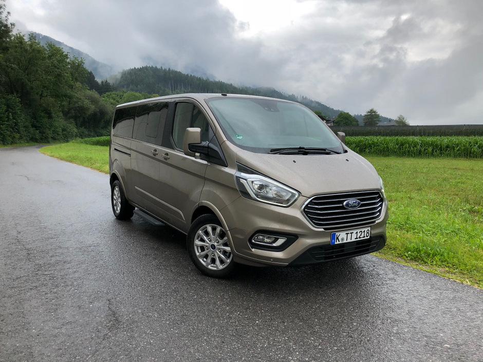 Ford transit steckt ein und teilt aus tiroler for Garage ford montrevel en bresse