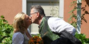 Kneissl heiratete den Unternehmer Wolfgang Meilinger, wird ihren Nachnamen aber behalten.