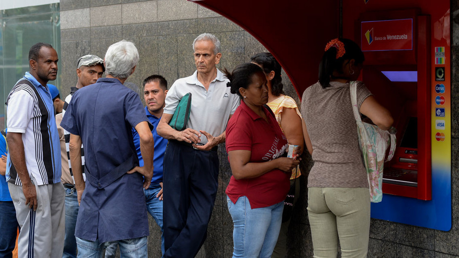 Für zehn Bolivar bekommt man in Venezuela aktuell nicht einmal einen Kaffee.