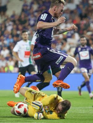 Trotz starker Paraden blieb Wacker-Goalie Christopher Knett noch in keinem Bundesligaspiel ohne Gegentreffer.