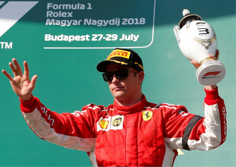 Wie lange jubelt Kimi Räikkönen noch im Ferrari-Overall?