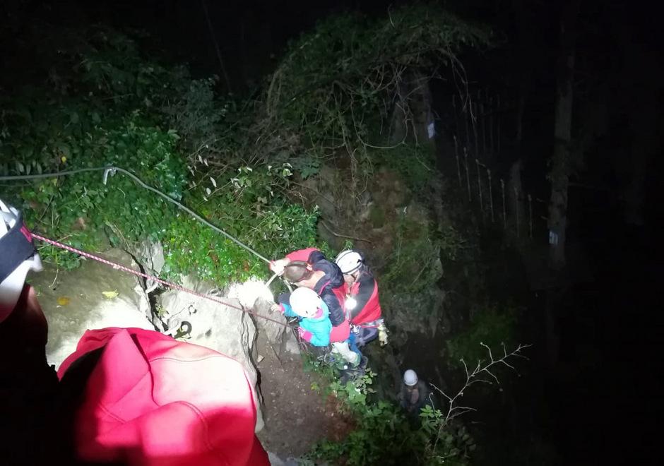 Klettersteig Unfall 2018 : Russin mit vierjährigem sohn aus klettersteig in schwendau