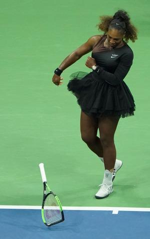 Serena Williams pfefferte ihren Schläger auf den Boden.