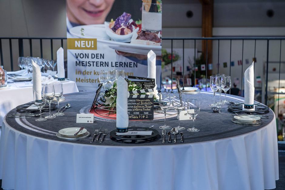 Ganz Schon Aufgetischt Profis Begeisterten Mit Tisch Deko Tiroler