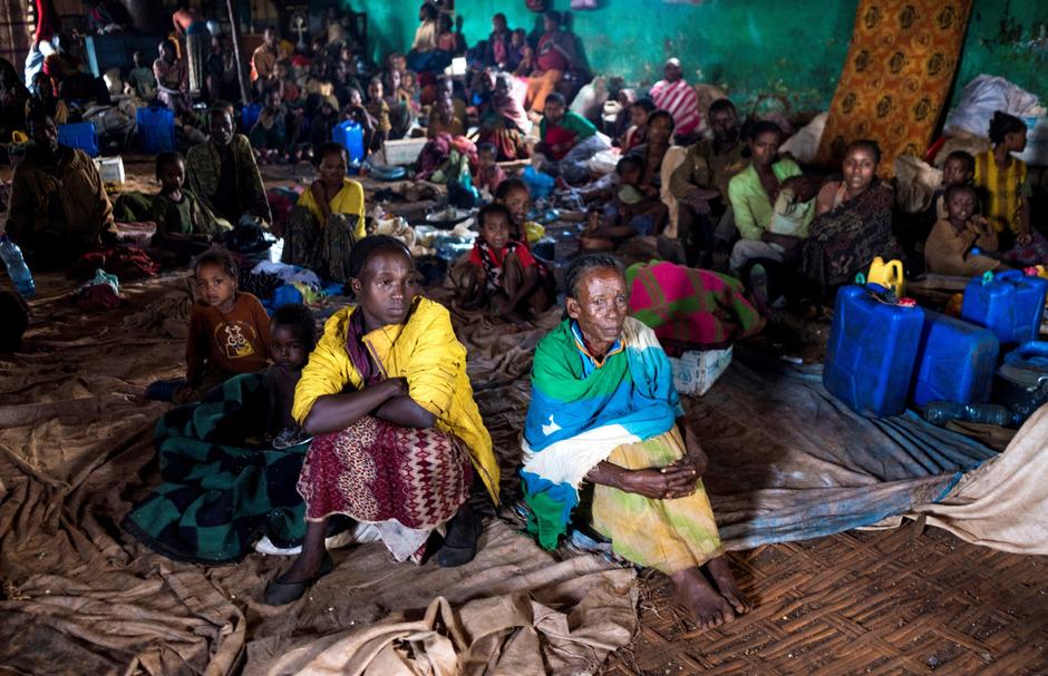 Binnenflüchtlinge haben in Schulen, Spitälern oder wie hier in einer Kirche in Kercha in West-Guji Zuflucht gefunden.