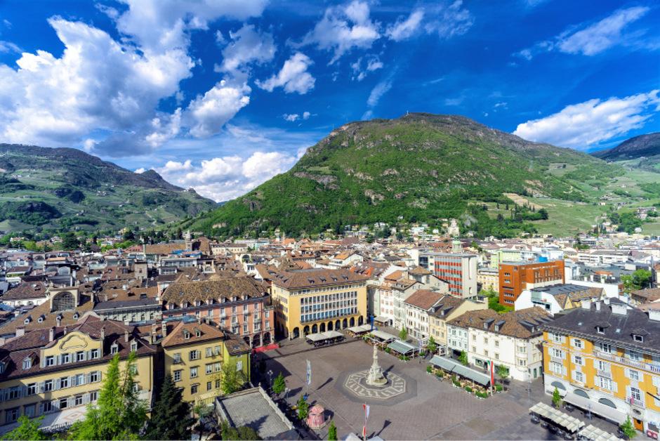 Bozen hatte lange Zeit keine eigene Universität. Italiener könnten dadurch nach Südtirol gelockt werden, fürchtete Alt-LH Silvius Magnago.
