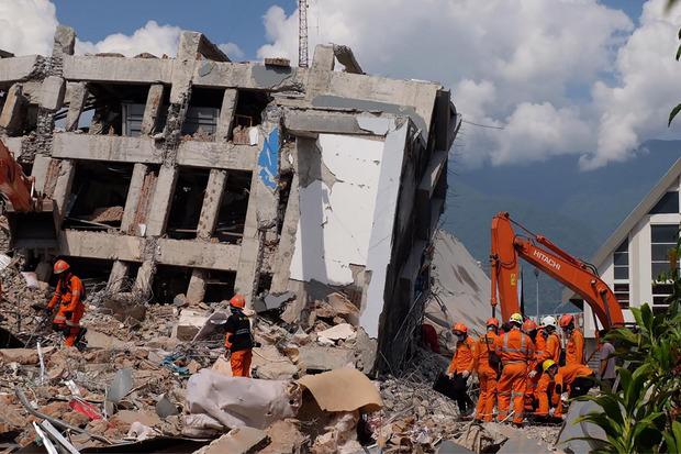 Mehr als 60.000 Menschen haben ihre Häuser verloren.Die Vereinten Nationen schätzen, dass mehr als 190.000 Menschen auf Hilfe angewiesen sind.
