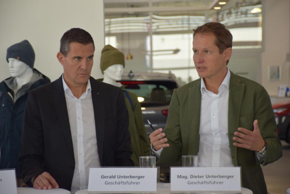 Präsentierten stolz den Umbau der Autowelt: die geschäftsführenden Gesellschafter Gerald und Dieter Unterberger (v.l.).