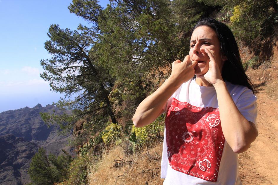 "Estefania Venus Mendoza Barrera beherrscht noch die Pfeifsprache ""El Silbo""."