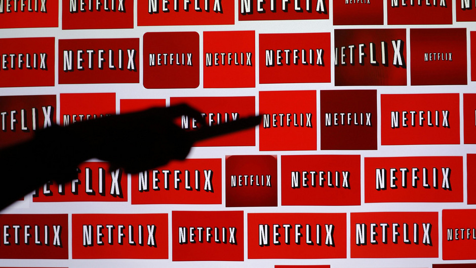"""Am 29. August 1997 wurde Netflix gegründet, zehn Jahre später stieg das Unternehmen in das Video-on-Demand-Geschäft ein. 2013 startete die erste eigenprodudizerte und vielfach ausgezeichnete Serie """"House of Cards""""."""
