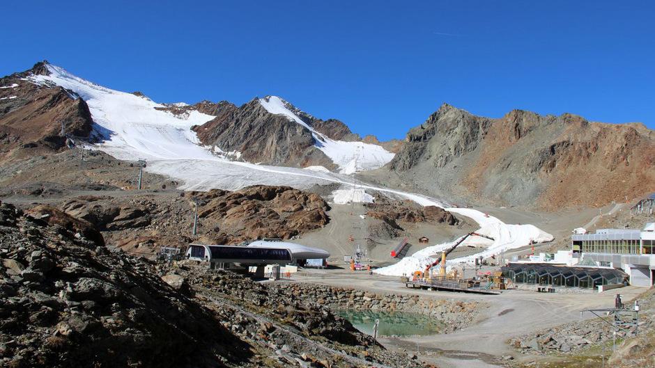Blick auf den Hinteren Brunnenkogel (links), an dem erst kürzlich Bautätigkeiten an einem Skiweg angezeigt wurden.